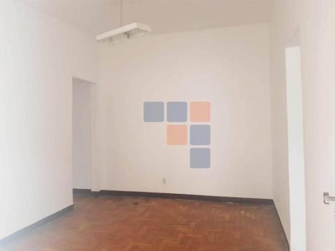 Foto Casa com 2 dormitórios para alugar, 90 m² por R$ 750,00/mês - Renascença - Belo Horizonte/MG