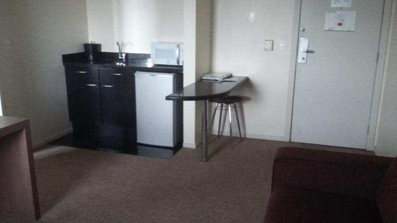 Apartamento  01 Quarto Mobiliado no Bairro Barro Preto Foto 2
