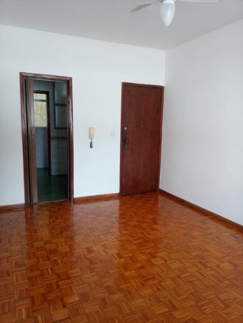 Foto Apartamento com 3 dormitórios para alugar, 65 m² por R$ 1.250,00 - Floresta - Belo Horizonte/MG