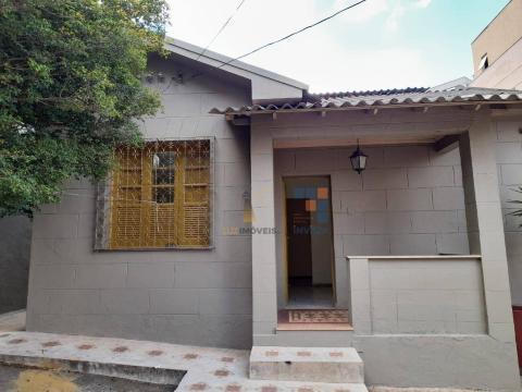 Foto Casa com 4 dormitórios para alugar, 150 m² por R$ 2.400,00/mês - São Pedro - Belo Horizonte/MG