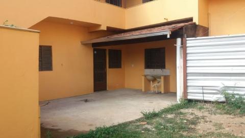 Foto Casa de 02 quartos bairro Coqueiros