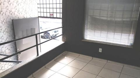 Foto Sala / loja com 63m², 2 banheiros, para alugar no bairro Dom Bosco.