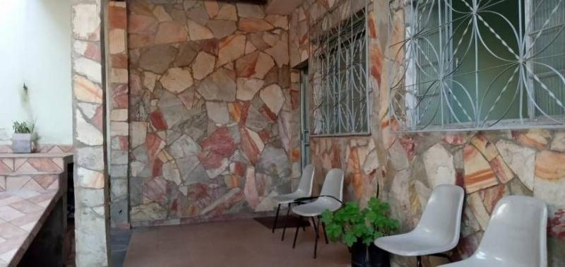 Casa 3 quartos, 3 vagas e um barracão à venda no bairro Glória. Foto 3