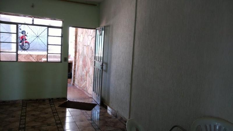Casa 3 quartos, 3 vagas e um barracão à venda no bairro Glória. Foto 4