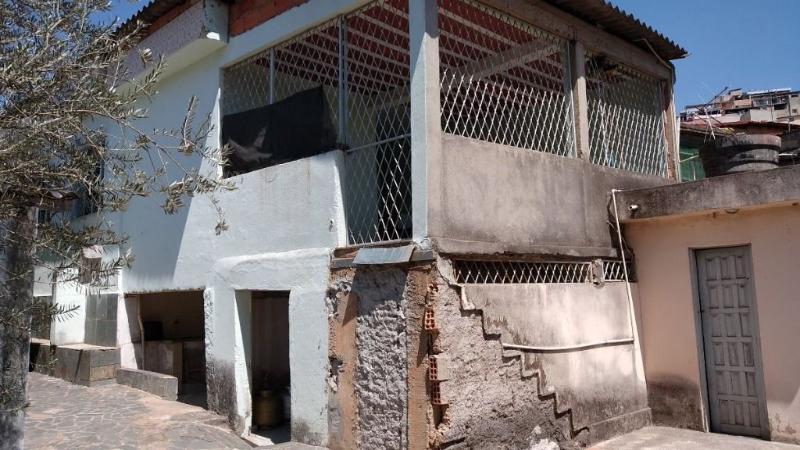 Casa 3 quartos, 3 vagas e um barracão à venda no bairro Glória. Foto 20
