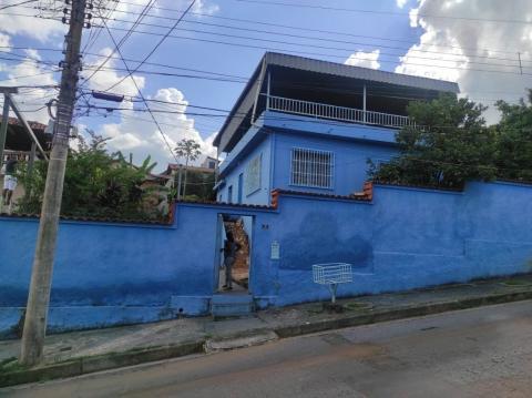 Foto Casa com 3 dormitórios à venda, 140 m² por R$ 425.000 - Nossa Senhora da Glória - Belo Horizonte/MG