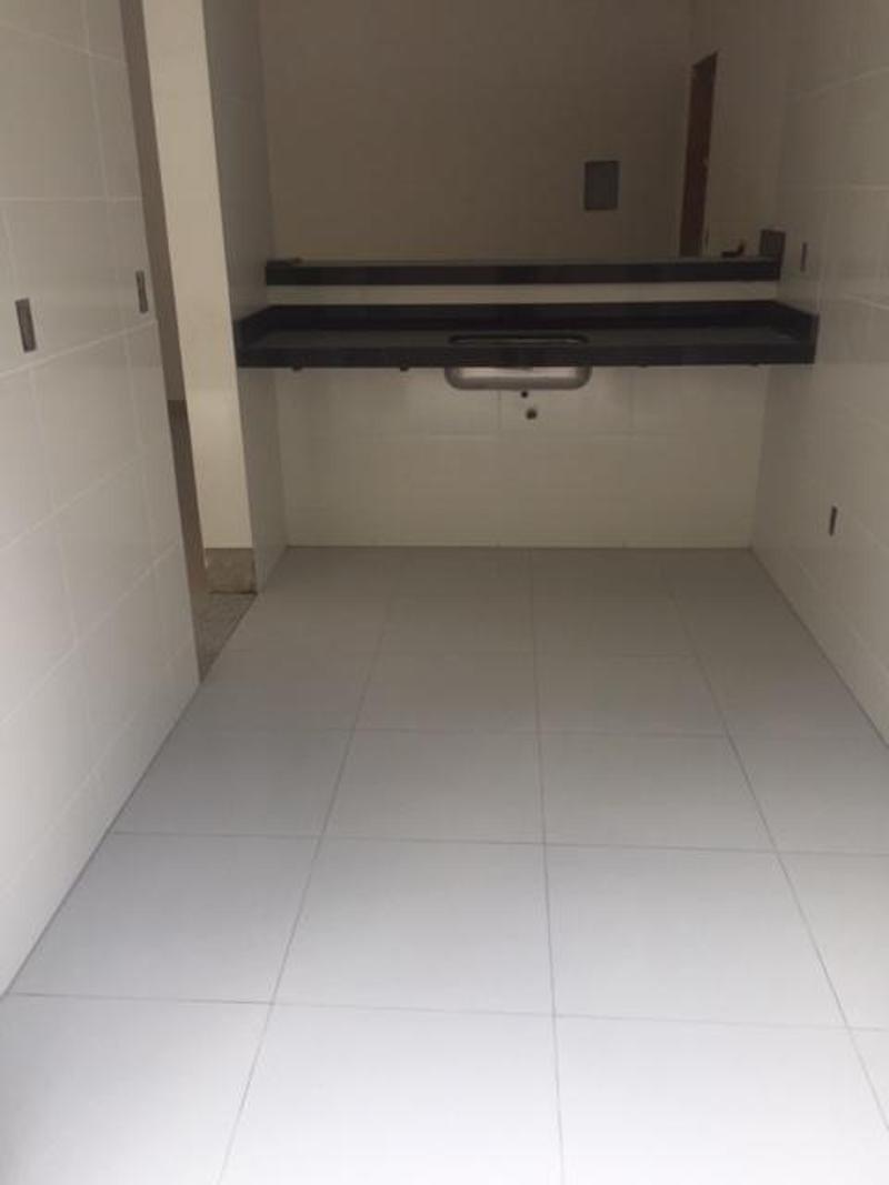 Apartamentos localizado em Sagrada Família. 3 quartos (1 suítes), 0 banheiros e 2 vagas. Foto 4