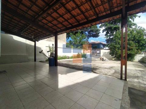 Foto Casa com 4 dormitórios à venda por R$ 695.000 - São Pedro (Venda Nova) - Belo Horizonte/MG