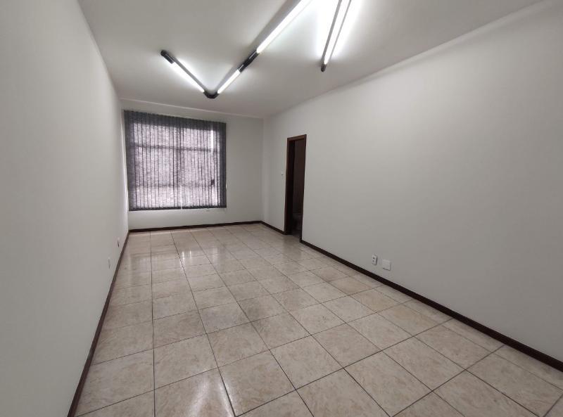 Sala localizado em Sagrada Família com área útil 20.00 m². Foto 1