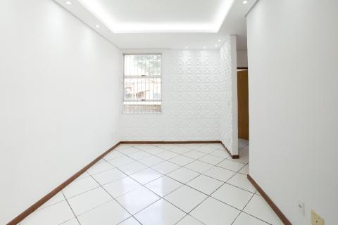Foto Apartamento com 3 dormitórios à venda, 72 m² por R$ 209.900 - Vila Cloris - Belo Horizonte/MG
