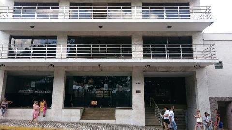 Foto Apartamento localizado em Centro. 4 quartos (2 suítes), 0 banheiros e 2 vagas.