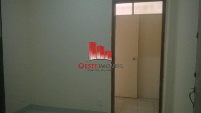 Salas/Conjuntos localizado em Centro com área total 3960 m². Foto 5