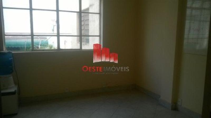 Salas/Conjuntos localizado em Centro com área total 3960 m². Foto 7