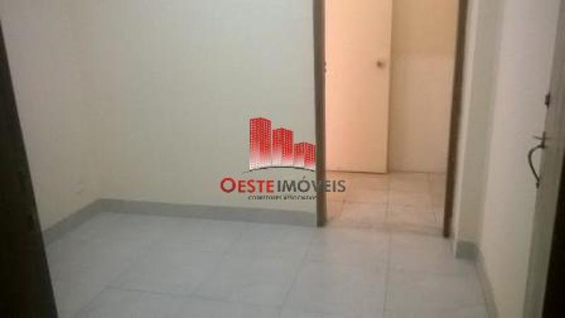 Salas/Conjuntos localizado em Centro com área total 3960 m². Foto 9