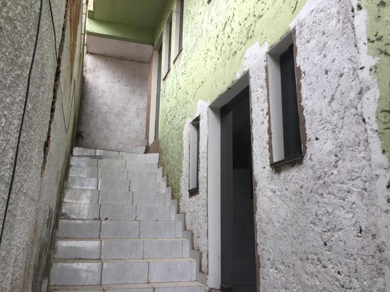 Um apartamento com 3 quartos, sala, cozinha, banheiro, área de serviço e garagem. Foto 1