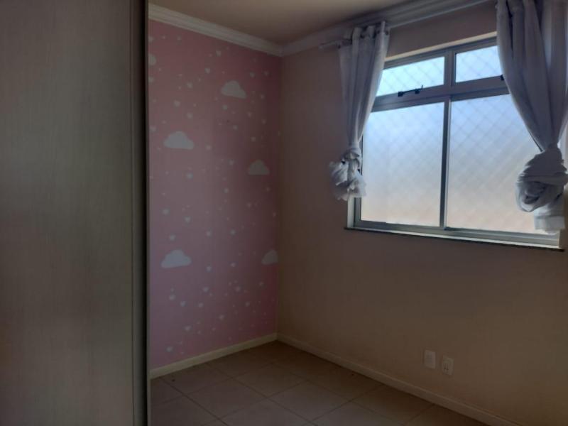 Apartamento com 3 quartos sendo 1 suíte, sala, cozinha com armário, área de serviço, corredor e 2 vagas de garagem. Valor R$2.200,00 Foto 12