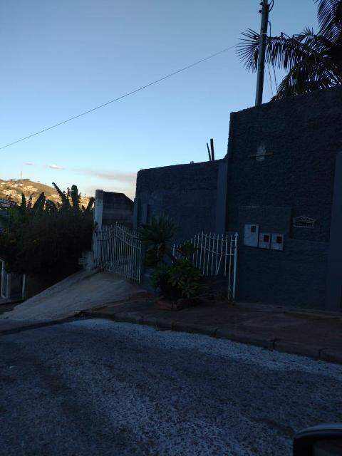 Foto Casa com 5 dormitórios, 3 banheiros e uma vaga de garagem. Valor R$3.000,00