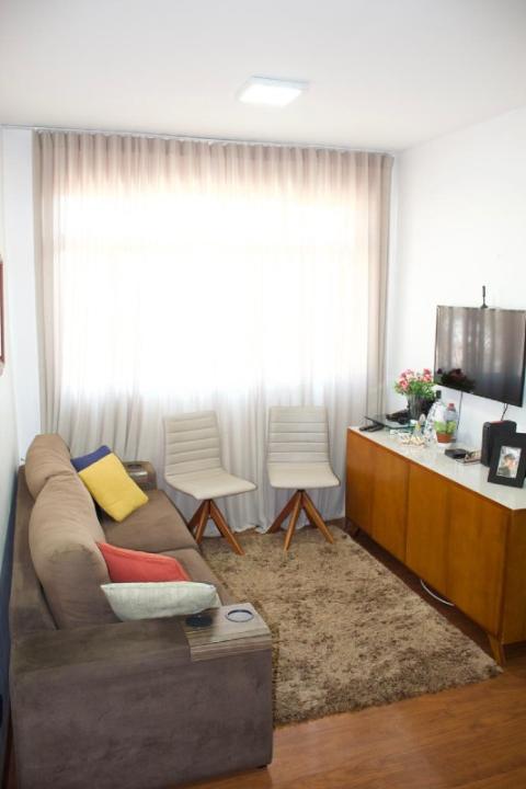 Foto Apartamento para aluguel, 2 quartos, 1 suíte, 1 vaga, Sagrada Família - Belo Horizonte/MG