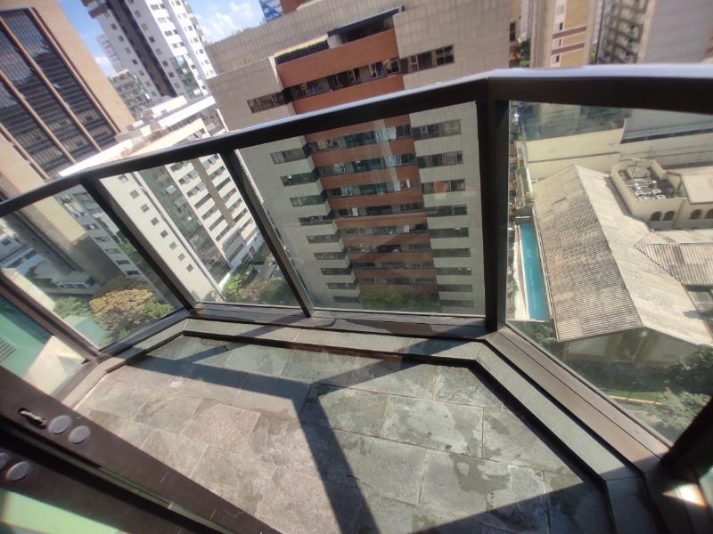 Apartamento localizado em Funcionários. 1 quartos, 1 banheiros e 1 vagas. Foto 3