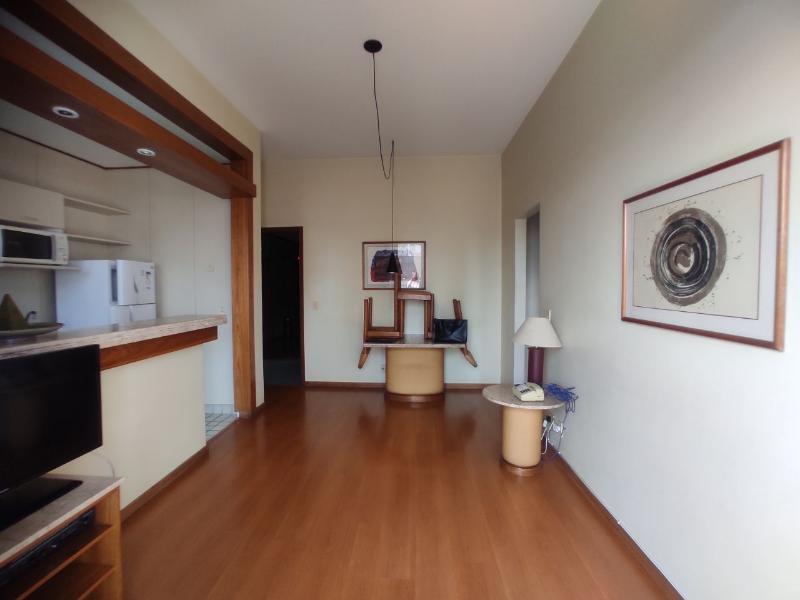 Apartamento localizado em Funcionários. 1 quartos, 1 banheiros e 1 vagas. Foto 6