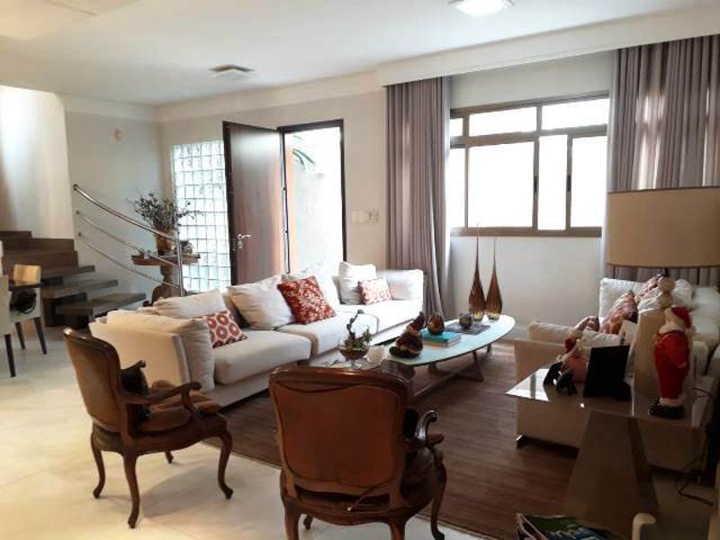 Casa localizado em Prado. 3 quartos (2 suítes), 5 banheiros e 3 vagas. Foto 2
