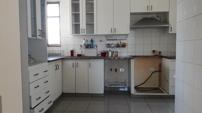 Apartamento localizado em Sion. 4 quartos (1 suítes), 4 banheiros e 2 vagas. Foto 9