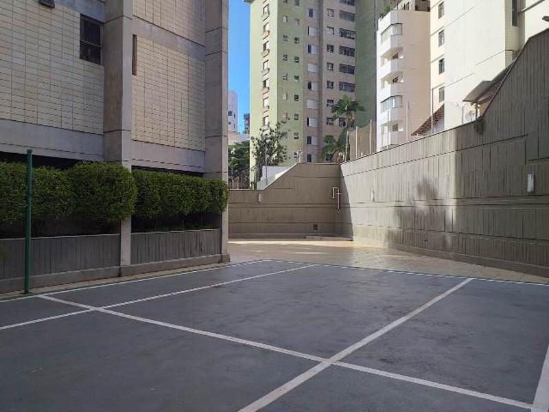 Apartamento localizado em Sion. 4 quartos (1 suítes), 4 banheiros e 2 vagas. Foto 12