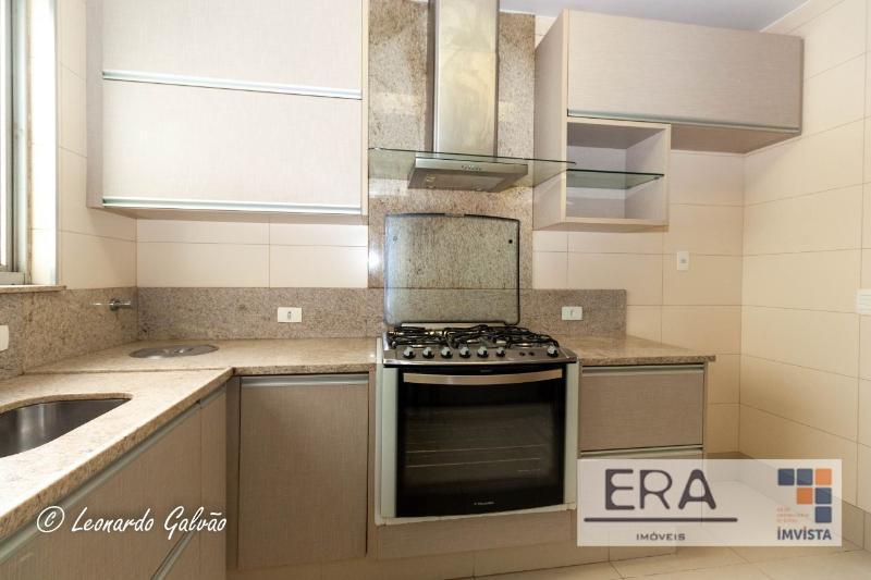 Apartamento localizado em Sion. 4 quartos (1 suítes), 3 banheiros e 2 vagas. Foto 5