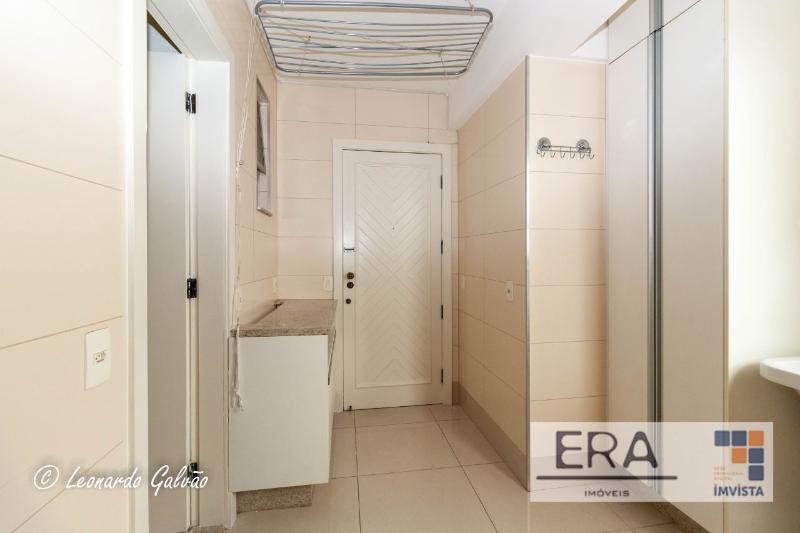Apartamento localizado em Sion. 4 quartos (1 suítes), 3 banheiros e 2 vagas. Foto 6