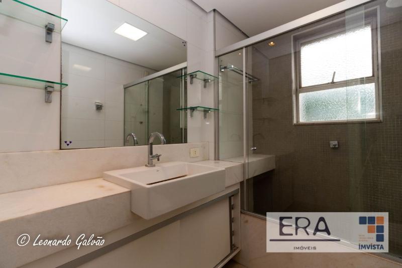 Apartamento localizado em Sion. 4 quartos (1 suítes), 3 banheiros e 2 vagas. Foto 8