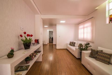 Foto Casa comercial localizado em Funcionários com área útil 300.00 m².
