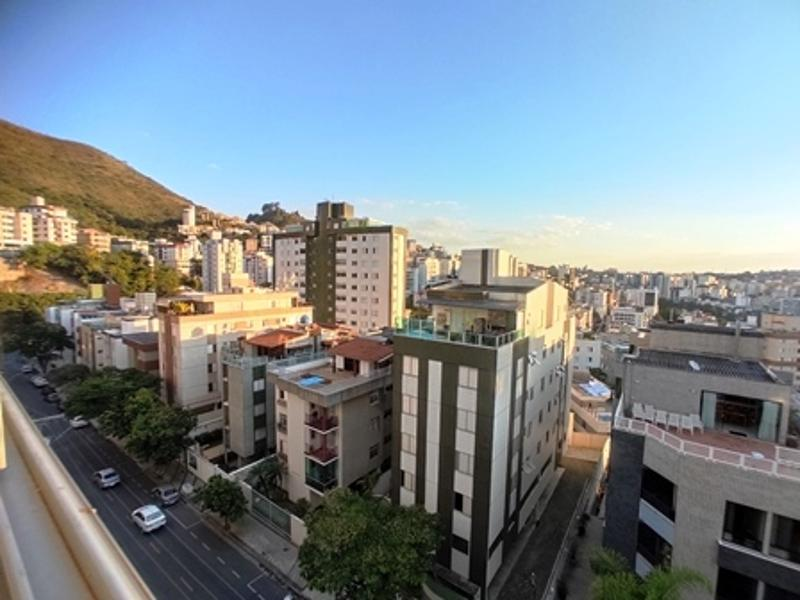 Apartamento localizado em Buritis. 3 quartos (1 suítes), 3 banheiros e 2 vagas. Foto 4