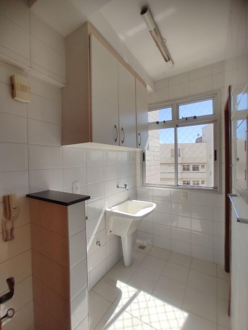Apartamento localizado em Coração De Jesus. 3 quartos (1 suítes), 3 banheiros e 2 vagas. Foto 6