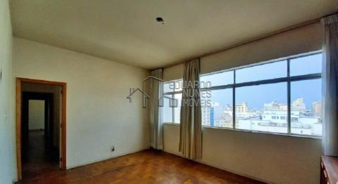 Foto Apartamentos localizado em Centro. 3 quartos (1 suítes), 03 banheiros e 2 vagas.