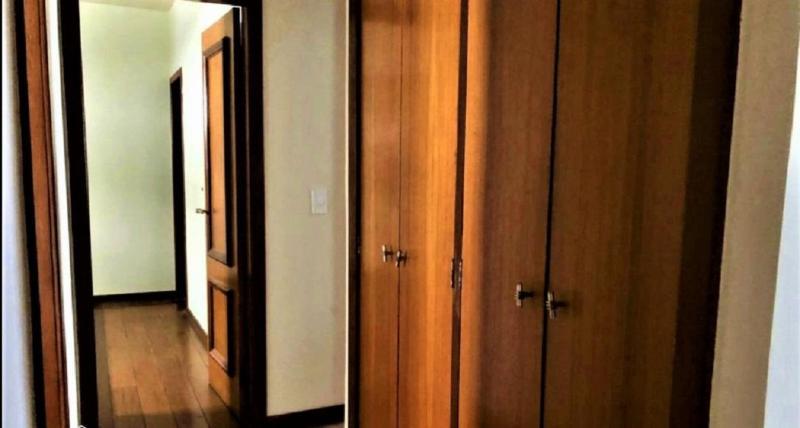 Apartamento 220m², com 4 quatros, 2 suítes, 2 semi-suítes, 3 vagas no bairro Serra! Foto 10