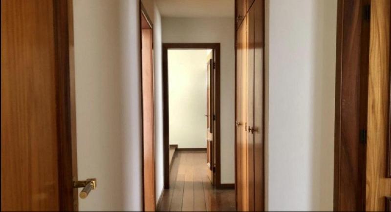 Apartamento 220m², com 4 quatros, 2 suítes, 2 semi-suítes, 3 vagas no bairro Serra! Foto 7