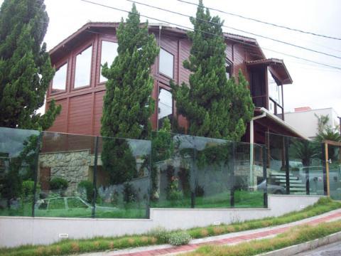 Foto Casa em condomínio localizado em Castelo. 3 quartos (1 suítes), 4 banheiros e 4 vagas.