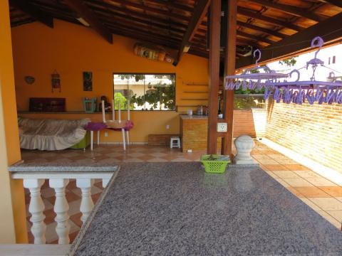 Foto Casa localizado em Santa Mônica. 4 quartos (1 suítes), 4 banheiros e 3 vagas.